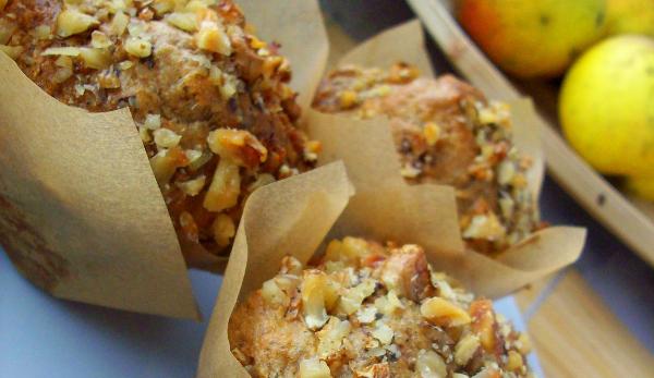 Muffinki z jabłkami, orzechami i cynamonem