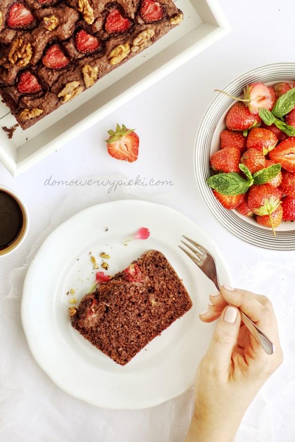 Ciasto z kaszą gryczaną i truskawkami