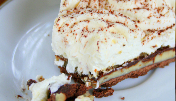 Tarta czekoladowa z kremem kinder bueno