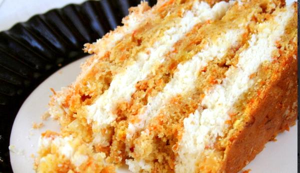 Hawajski tort marchewkowy