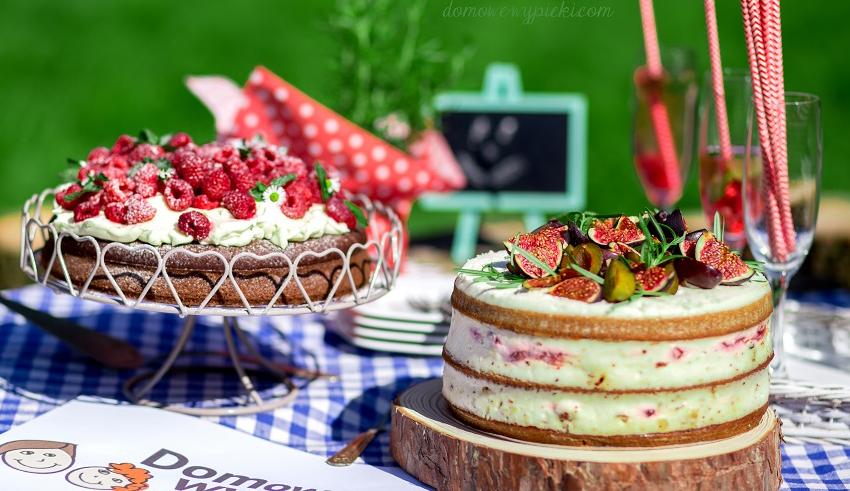 Tort z syropem rozmarynowym