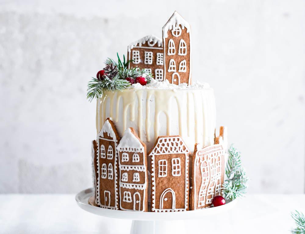 Tort z kremem makowo – marcepanowym