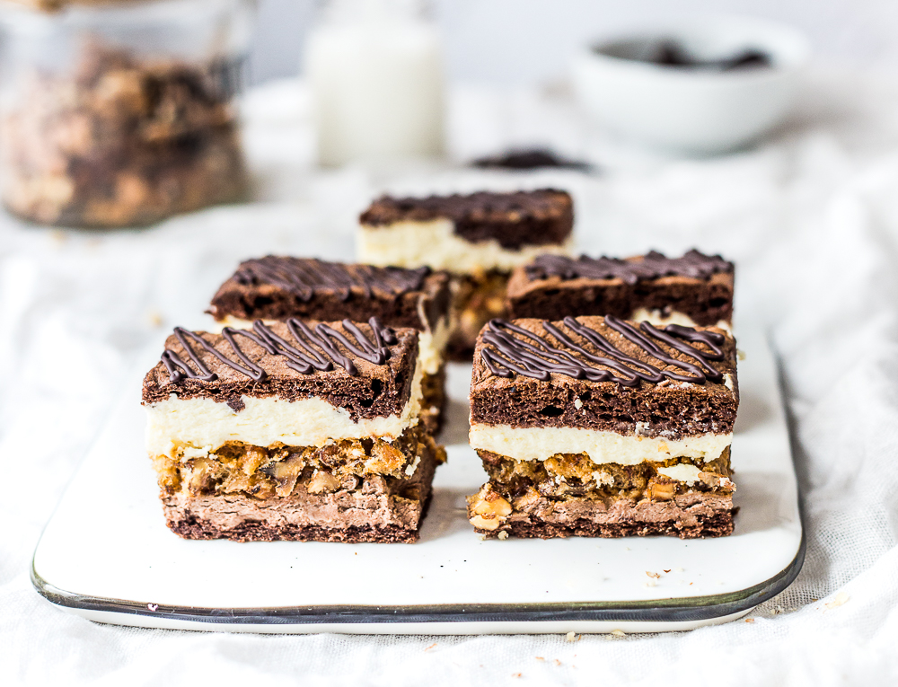 Orzechowe ciasto snickers